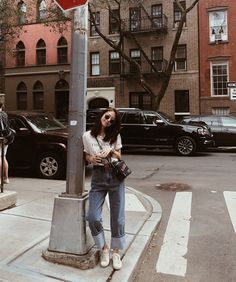 36 Trendy Photography Inspiration Model Posing Tips Korean Girl Fashion, Ulzzang Fashion, Korean Street Fashion, Woman Fashion, Best Photo Poses, Girl Photo Poses, Fashion Photography Poses, Fashion Poses, How To Pose