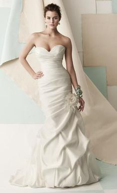Used Mikaella Wedding Dress 1406, Size 10    Get a designer gown for (much!) less on PreOwnedWeddingDresses.com