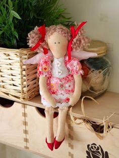 Mimin Dolls: Tilda sentadinha