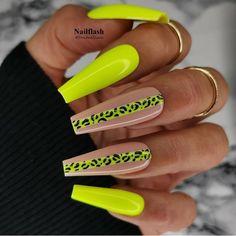 Neon Yellow Nails, Neon Acrylic Nails, Neon Nails, Nail Swag, Green Nail Designs, Exotic Nails, Leopard Nails, Fire Nails, Nagel Gel