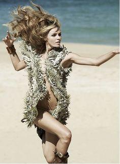 sexyqueen:    Italian Vogue  Photographer: Fabio Chizzola  Location: Puerto Rico