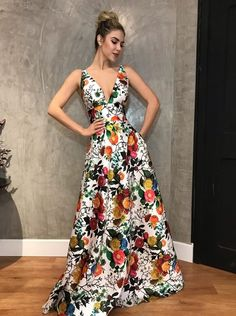 Discover recipes, home ideas, style inspiration and other ideas to try. Dress Outfits, Casual Dresses, Fashion Outfits, Dress Up, African Fashion Dresses, Summer Dresses For Women, Classy Dress, Dress Patterns, Pretty Dresses