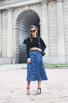 Reiss_Outfit-Midi_Pleated_Skirt-Cropped_Top-Backpack-Street_Style-MFW-34