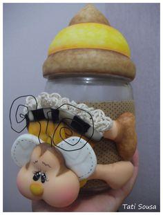 Pote abelhinha em biscuit... ♥ By Tati Sousa ♥