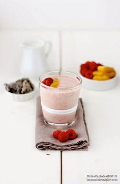 raspberry mango dragon fruit smoothie