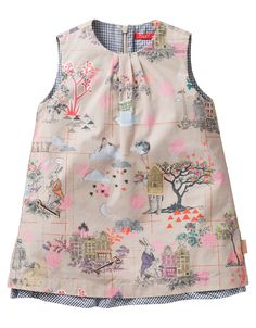 This A-line dress in high-quality cotton has an underdress for a subtle flared effect. The dress with hand-painted Oilily has a zip closure on the back.