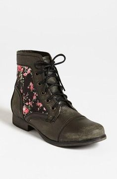 Floral crush on these Steve Madden boots.