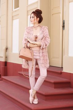 Muslim Fashion, All Fashion, Pink Fashion, Trendy Fashion, Fashion Outfits, Fashion Trends, Ladies Dress Watches, Estilo Blogger, Turkish Fashion