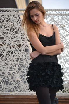 Nueva entrada en post #ecobloggerCristinaCarrillo: ¿Qué me pongo en Nochevieja?   http://ecobloggercristinacarrillo.com/2014/12/27/que-me-pongo-esta-nochevieja-ideas/ #looknochevieja #nochevieja #vestidonochevieja #vestidonegro #negro #vestido #plumas #blacklook #lookblack