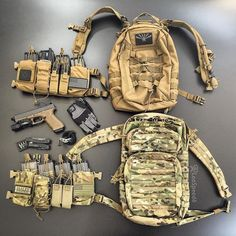 On a recent post a follower had asked how the @haleystrategicofficial chest rig (CR) was attached to a pack and I had promised an answer. Using 2 side and 1 top standard swift clips per side the CR can attach to most packs with similar hardware as well as to plate many carriers. The top bag is by @tactical_tailor and is great for hiking or the range (without CR) as it has a padded hydration reservoir pocket.
