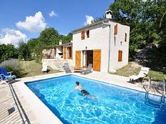 Vakantiehuis te huur in de EsteronVakantieverhuur in La Rochette van @homeaway! #vacation #rental #travel #homeaway