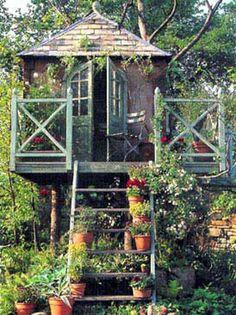 Elf English tree house
