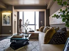 Living room gray yellow