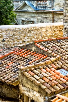 The clay tiled roofs of Avignon, France La Provence France, Solar Tiles, Roof Detail, Roof Tiles, Stone Houses, Top Of The World, Architecture, Terracotta, Cottage