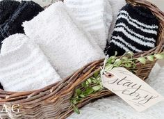 """From fuss-free party invitations to insanely easy-to-assemble guest goodies, these holiday hosting ideas are sure to earn you the title of """"host with the most. Guest Basket, Free Party Invitations, Mother Daughter Projects, Old Baskets, Wooden Snowflakes, Vintage Office, Mason Jar Candles, Neighbor Gifts, Diy House Projects"""
