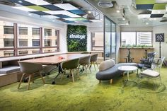 M Moser Associates designed the new offices for financial tech company Dealogic, located in Hong Kong, China. As a successful financial tech company, Dealogic required a more agile workplace that would attract… Commercial Interior Design, Office Interior Design, Commercial Interiors, Office Interiors, Green Office, Cool Office, Mini Office, Modular Lounges, Workplace Design