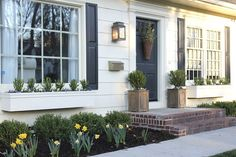 Jenny Steffens Hobick: Window Boxes | DIY Easy Flower Boxes