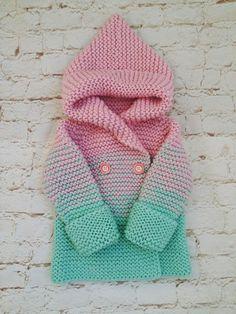 Кардиган на малышку 1,5-2 года, очень теплый и нежный, глубокий удобный капюшон.