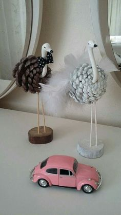 60 Eye-Popping Pine Cone Crafts to Doll Up the House for the Festivities Pine Cone Art, Pine Cone Crafts, Pine Cones, Wood Crafts, Diy And Crafts, Crafts For Kids, Arts And Crafts, Art N Craft, Diy Art