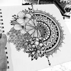 Delicate and beautiful 30 simple mandala tattoo design ideas for women – Page 20 - Tattoo MAG Mandala Tattoo Design, Simple Mandala Tattoo, Floral Mandala Tattoo, Tattoo Designs, Mandala Tattoo Meaning, Flower Mandala, Doodle Art Drawing, Zentangle Drawings, Mandala Drawing
