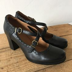 92b968c5994d34 UK SIZE 4 WOMENS CLARKS CIERA DUSK BLACK LEATHER MARY JANE STYLE HEELS