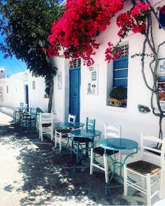 "Photos like this.. that ""smell"" Greece . . #travel #travelgram #travelblogger #travelling #traveling #instamood #instatravel #l4l #f4f #photooftheday #instagood #instalifo #instagram #traditional #island #life #holidays #vacation #tourist #tourism #destination #wugreece #visitgreece #greekislands #greece #love #schinousa"