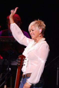 The lovely Lorrie Morgan- for mom? i think the short hair style rocks on her Short Sassy Hair, Short Grey Hair, Short Hair Cuts For Women, Medium Hair Cuts, Short Pixie, Short Cuts, 2015 Hairstyles, Cute Hairstyles For Short Hair, Pixie Hairstyles