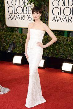 El allure de los Golden Globes Anne Hathaway con una excelente faceta en las alfombras rojas
