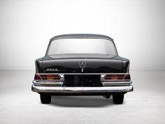 4 | 1965 Mercedes-Benz 220S Large Tail Fin | Auctionata Mercedes Benz, Car Brands, Rolls Royce, Fiat, Volvo, Jaguar, Peugeot, Ferrari, Cars