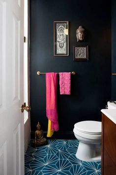 Black walls and patterned tiles make this small bathroom very dramatic Bad Inspiration, Bathroom Inspiration, Interior Inspiration, Bathroom Ideas, Bathroom Designs, Bathroom Wall, Asian Bathroom, Serene Bathroom, Lowes Bathroom