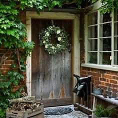 Modern Country Style: My Top Ten Modern Country Christmas Front Doors! Cottage Christmas, Country Christmas, Christmas Home, Christmas Wreaths, Christmas Decorations, Christmas Garden, Christmas Interiors, Woodland Christmas, Magical Christmas