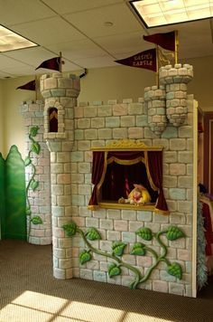 great idea for our puppet stage!