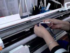 МК часть 5 сборка платья вяжем платье на вязальной машине - YouTube