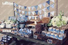 www.kamalion.com.mx - Mesa de Dulces / Candy Bar / Postres / Evento / Azul / Blue / Rustic Decor / Dulces / Vintage / Madera / Lechero / Maletas / It's a boy / Vintage / Cupcakes / Macaroons / Banderines.