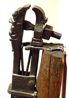 A marvelous wrought iron blacksmith vice.(side view)