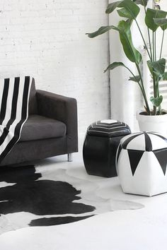 DIY Black & White Poufs - the perfect seats on NYE! -- via Jenni Radosevich at I Spy DIY