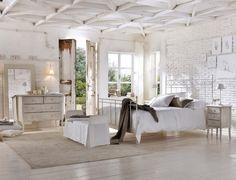 L'élégance de la Provence française se réunit au charme de l'époque victorienne en Angleterre dans la décoration de la chambre romantique style Shabby chic!