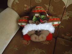 reno estrella Christmas Deco, Christmas Wreaths, Christmas Ornaments, Felt Crafts, Christmas Crafts, Pillow Tutorial, Diy Pillows, 4th Of July Wreath, Home Art