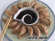 Modifiye Çin Mantısı     Yiğit'in Uzakdoğu mutfağına ilgisini bilmeyen kalmadı. Zaman zaman ben de bu mutfağa ait tarifleri öğrenip yap...