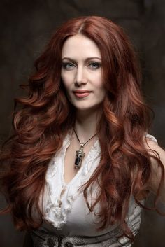 WOW, this was an amazing interview! It was such an honor and pleasure to bring back some woman power to Tamarah's Closet! Gretchen is on a mission to succeed and she is quite the ambitious musician! Beautiful Redhead, Gorgeous Hair, Beautiful People, Native Girls, Women Of Rock, Guitar Girl, Metalhead, Powerful Women, Hard Rock