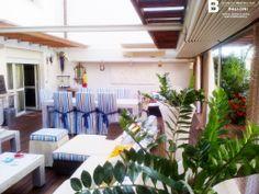 http://www.immobiliareballoni.it/vendite/marina-di-massa-appartamento-vendita/ #splendido #appartamento a #marinadimassa: altra visuale della rara terrazza abitabile di 100 mq, con copertura automatizzata.