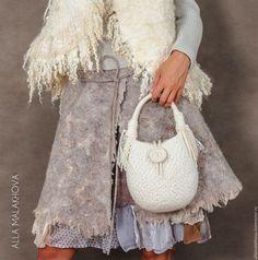 Купить Валяная сумка Войлочная Пуговка - белый, сумка, валяная сумка, женская сумка, нунофелтинг