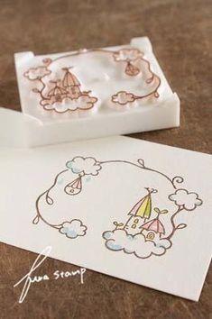 ふわふわっ♪と浮かぶ雲からニョキニョキッ!枝の雫形のつぼみがポンッ♪とはじけると、雲が生まれます!これは「雲の木」梅雨の雨を受けてニョキニョキと大きく成長...