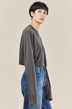 Oversized, long sleeve cropped t-shirt in soft Japanese cotton. Cotton Made in USA Kim is wearing a size S. Kim is a US 2 in dresses & bottoms, 26 in denim and S in tops. Cotton Citizen, Japanese Cotton, Crop Tee, Tokyo, Normcore, Woman, Denim, Celebrities, Grey