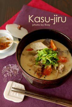 Japanese food / 根菜と豚の粕汁