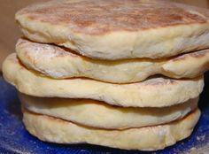 Bolos Levedos, mostly in Sao Miguel Portuguese Sweet Bread, Portuguese Recipes, Portuguese Food, Cheese Recipes, Bread Recipes, Cooking Recipes, Our Daily Bread, Bread Cake, Kitchens