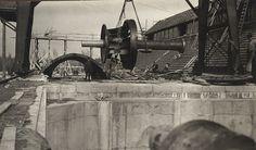 Fyra stycken Francis #turbiner om vardera 10 000 hästkrafter installerades i Untraverket. Turbinerna som var de största i världen vid denna tid utvecklades av ingenjören James B. Francis år 1848. Four Francis #turbines, each of 10 000 horsepower were installed in the Untra #hydroplant. The turbines were the largest in the world at that time and were developed by the engineer James B. Francis in 1848. #technology