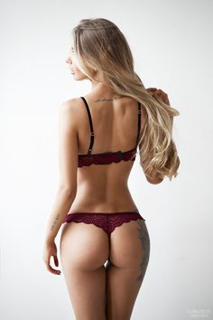 An entertainment website for men, introducing you beautiful single women from Russia and from Ukraine.
