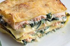 Lasagne s lososem Musaka, Spanakopita, What To Cook, Fish And Seafood, Bon Appetit, Pasta Recipes, Food Porn, Healthy Recipes, Healthy Food