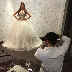 Bling Bling Elegant Sweetheart Crystal Beaded Ivory Tulle Ball Gown Wedding Dresses 2015 Plus Size Wedding Dress Bride Dress